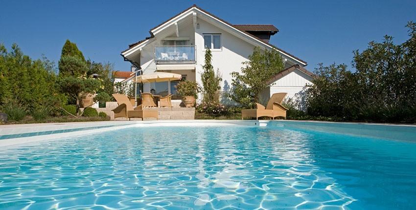 schwimmbad sauna paradies passau swimmingpool. Black Bedroom Furniture Sets. Home Design Ideas